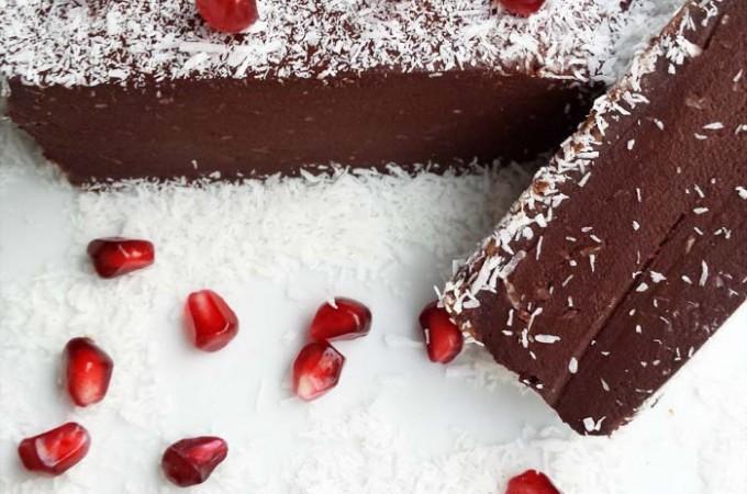 Tarta cruda de chocolate y coco